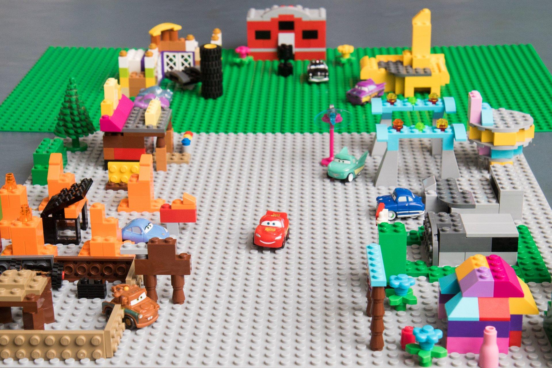 001 LEGO Radiator Springs